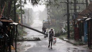 Supercyklon Amphan w Indiach i Bangladeszu. Są ofiary śmiertelne