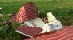 Zerwany dach w jednej ze szkół na Podlasiu (TVN24)